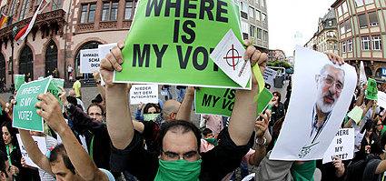 Iran Protesters (c) AP