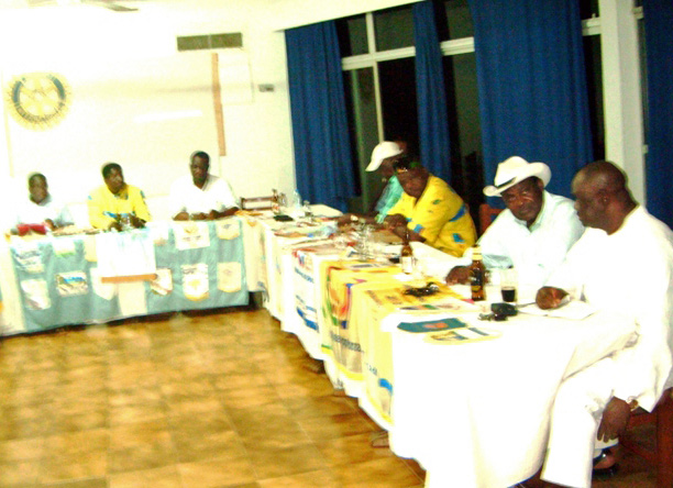 Ngwane-at-Rotary-Club-Meeting-in-Limbe