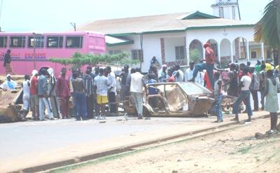 Hausa_boys_guarding_the_road_blocka