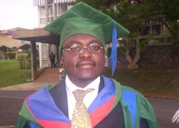 Tah_the_graduate