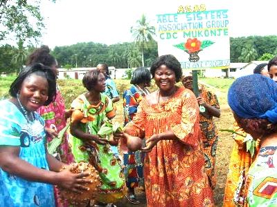 Rural_women_displaying