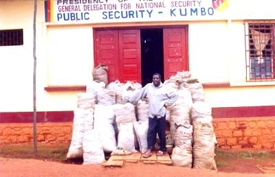 Kumbo_police_and_marijuana_dealer