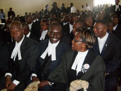 Cross_section_of_barristers_in_trai