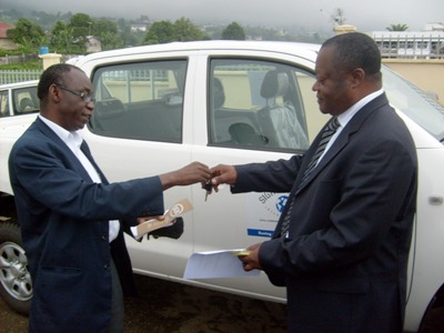 Ssis_ouattara_presents_key_of_hilux