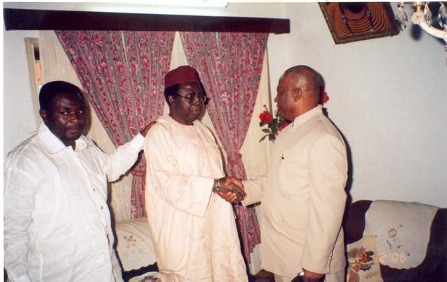 Fru_ndi_shakes_hands_with_ngwasiri_while